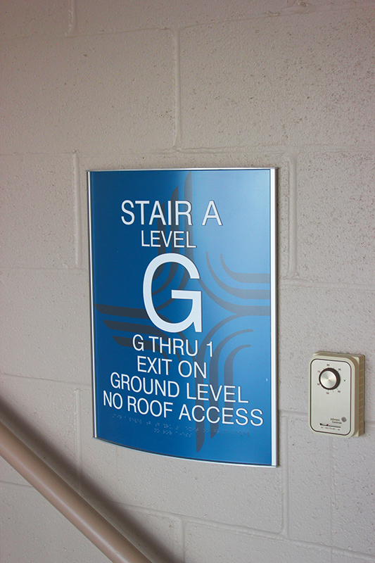 hospital stairwell sign