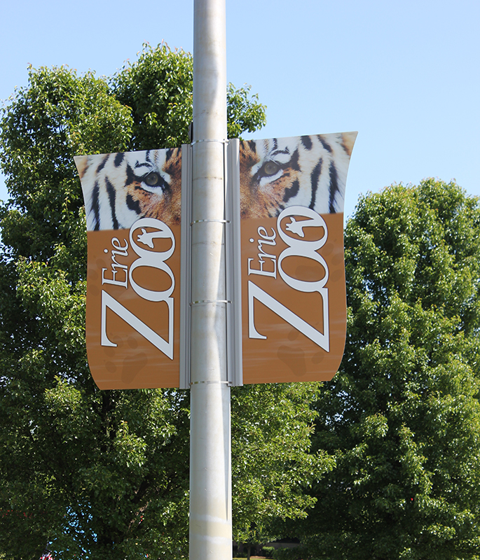 zoo pole banner sign