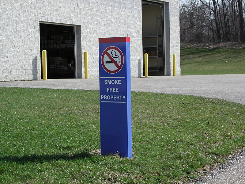 outdoor smoke free property sign